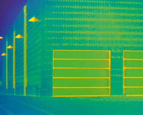 Portoni sezionali con telaio di raccorto Thermoframe